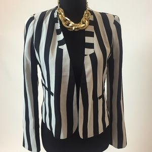 Line & Dot Jackets & Blazers - Black and White Striped Blazer
