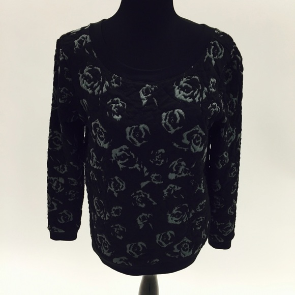 Sweater with ribbon back detail