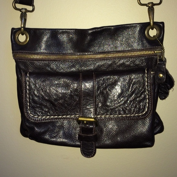 90% off Roots Canada Handbags - Roots Canada Vtg Cross Body purse ...