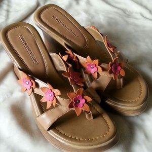 Shoes - 🌸 90's Vintage Flower Wedge Sandals