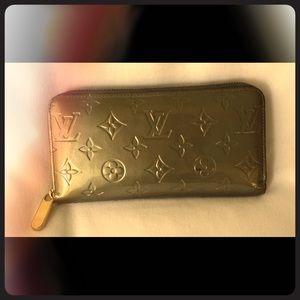 Louis Vuitton Vernis Zippy Wallet Limited Ed color