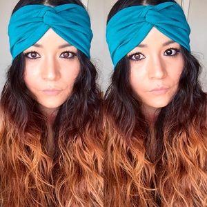Faux turban in teal