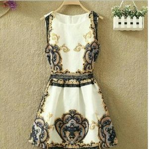 Beautiful beige floral mini dress