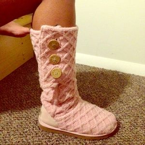 UGG Shoes - Baby pink soft knit uggs !