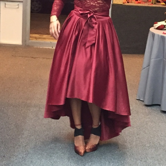 47 gracia dresses skirts burgundy hi low skirt