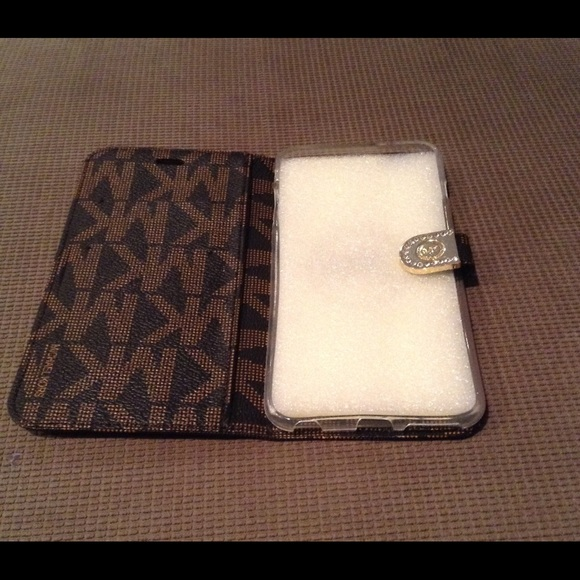 michael kors iphone 6 plus wallet case from josette 39 s On housse iphone 6 michael kors
