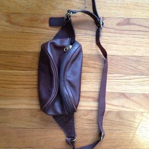 AUTHENTIC LEATHER COACH FANNY PACK!