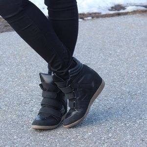 Candie's Shoes - Black wedge sneakers