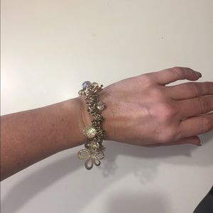 Jewelry - Gold and crystal stretch bracelet