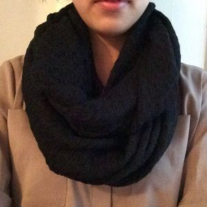 Accessories - Black Thin Circle Scarf