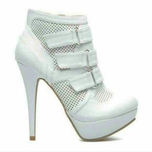 Sporty shoedazzle booties