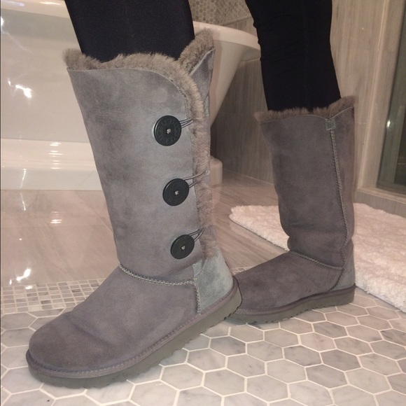 Bailey Button Triplet UGG Boots (Grey)