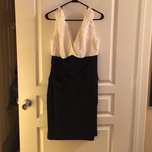 Connected Apparel Dresses & Skirts - White and Navy Blue Sleeveless Dress
