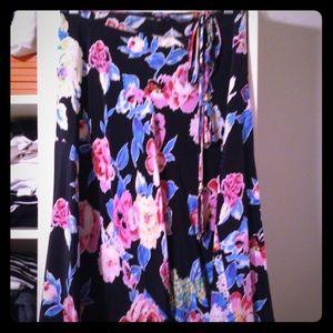 Yumi Kim wrap around skirt Sz S, MINT! Navy Floral