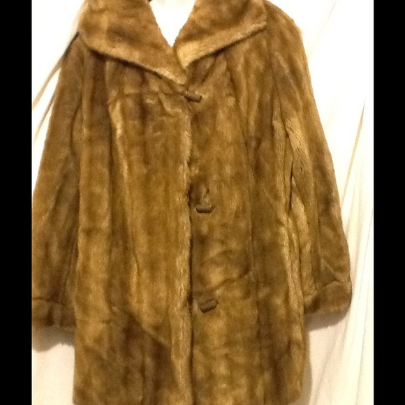 7a170a9e256c Dubrowsky & Perlbinder Outerwear - Dubrowsky & Perlbinder Vintage Faux a Fur  Coat