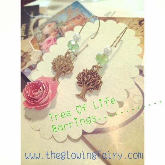 Vintage Jewelry - Tree of life earrings
