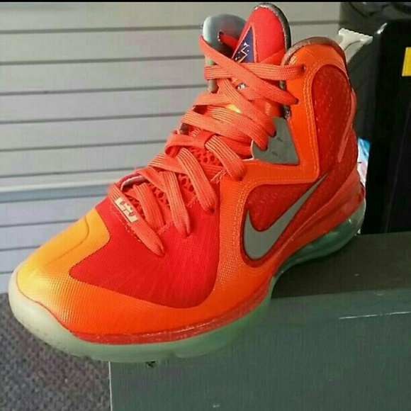 Christmas Lebron 9s.Nike Lebron 9 Big Bang Rare Hard To Find