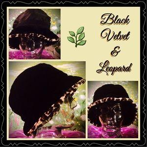 NEW LISTING❤️CUTE BLACK VELVET & LEOPARD TRIM HAT