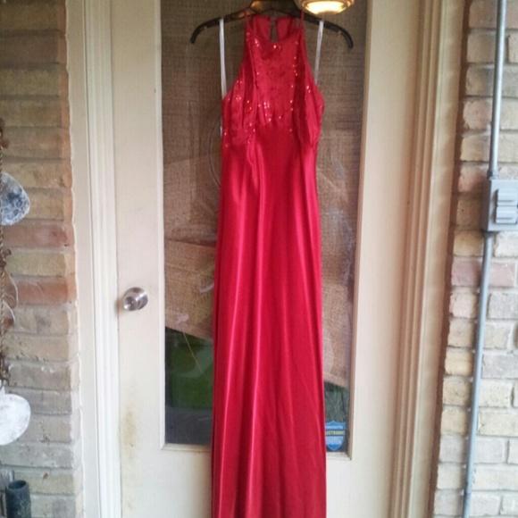 Zum Zum Dresses & Skirts - FLASH SALE! Like New Gorgeous Gown w/ Beading