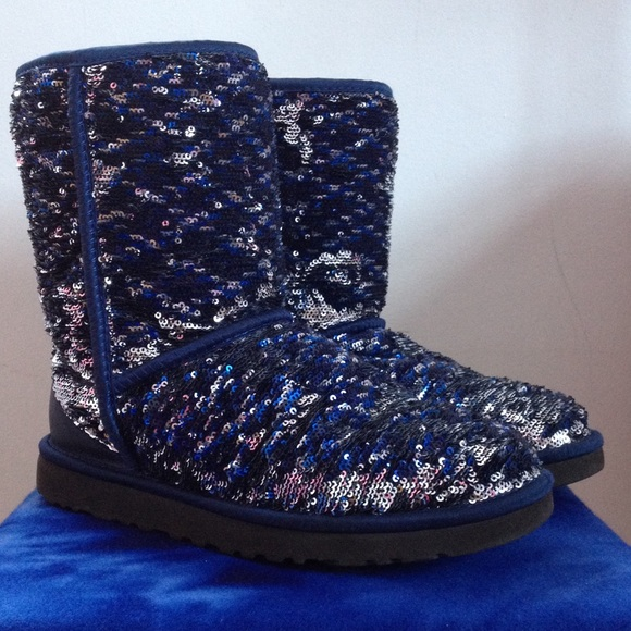 ff3872622f019 UGG Shoes - 💕NEW💕Navy Blue Sparkly Uggs - NO TRADES