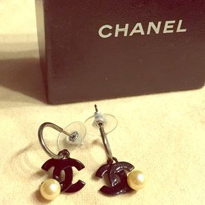 CHANEL Jewelry - Black Acrylic & Pearl Chanel Dangle Earrings
