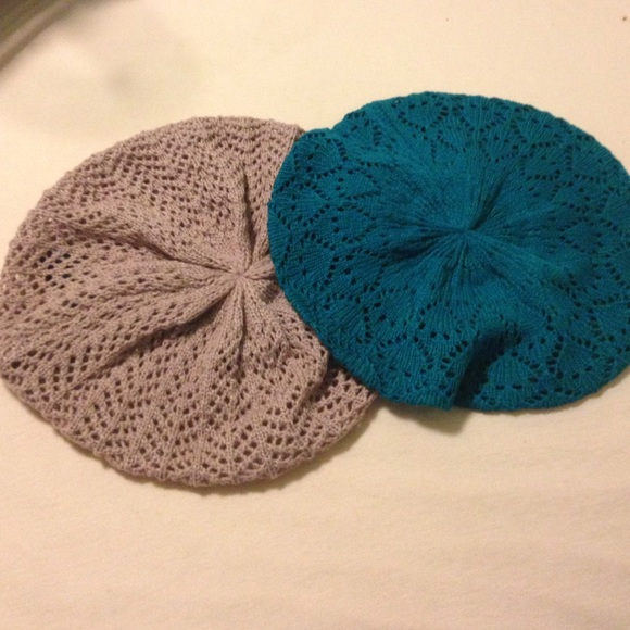 b7f7f5ec4bf5d Forever 21 Accessories - Forever21 NWOT Knit beret hats