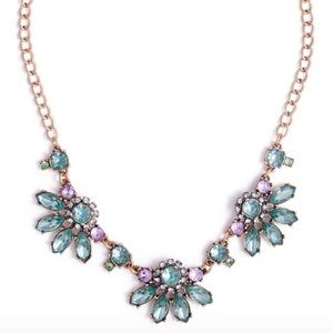 Jewelmint Everest Floral Necklace