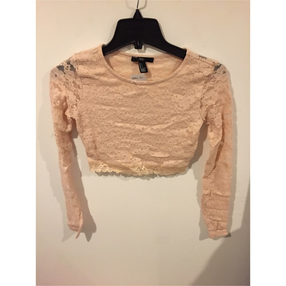 74577682f4ca1 Light pink long sleeve lace crop top