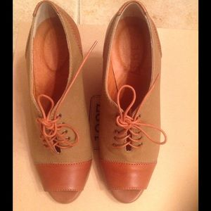 Madewell brown shoes.