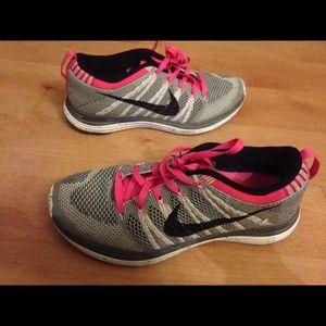 Nike Flyknits One