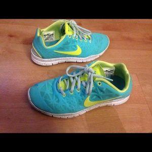 Nike free fit 3
