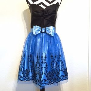 •HP!• Black & Blue Tulle Formal / Prom Dress