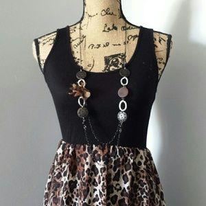 Dresses & Skirts - Adorable cheetah high low dress