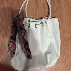 Women's White Over Shoulder Bag on Poshmark