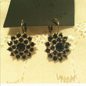 Jewelry - **bundle**2 pairs of earrings.