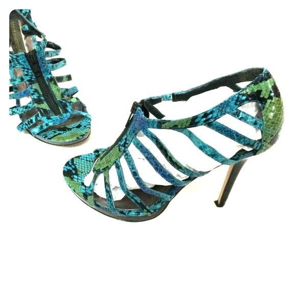 a0054aca5f5 Steve Madden Turquoise Snake Print Strappy Heels. M 54ec0595713fde5541022b42