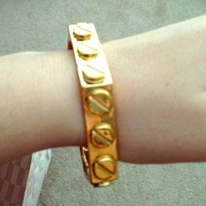 C. Wonder stud bangle