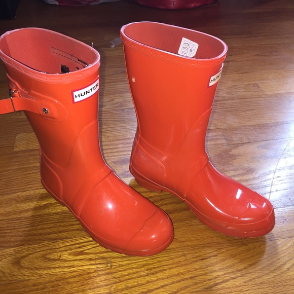 33% off Hunter Boots - WOMEN CORAL HUNTER BOOTS from Cocoo ...
