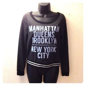 Tops - ⬛️◾️NYC Statement Top◾️◼️ Host Pick 🎉🎉