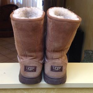 CHESTNUT COLOR UGG BOOTS