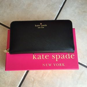 💯 authentic Kate Spade wallet ♠️