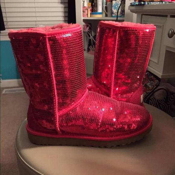 70862834eeb Red Sequin Uggs NWT