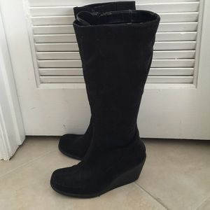 Faux leather black boots