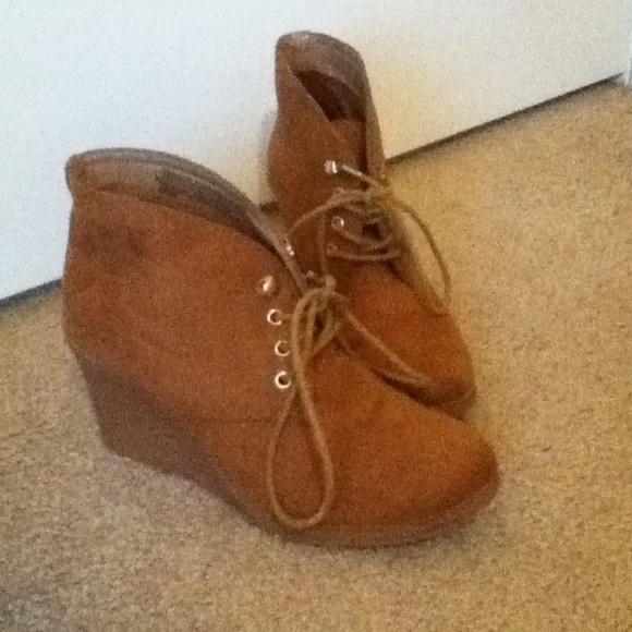 40 merona boots chestnut boots with wedge heel from