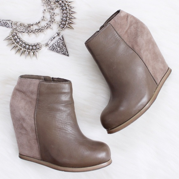 6caf574f59ef Dolce Vita Boots - Dolce Vita • Heidi Suede Wedge Ankle Boots