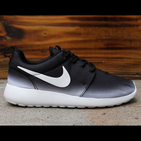 nike black and white ombre roshes shoes