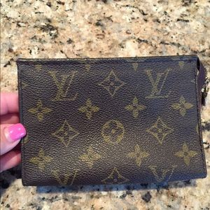 Louis Vuitton Accessories - Authentic Louis Vuitton Toiletry 15
