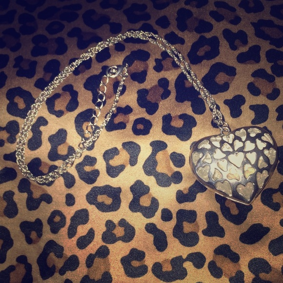 Jewelry - 💎💕2 sided heart necklace NWOT