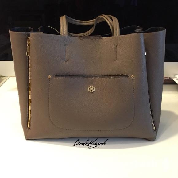 49 Off Ann Taylor Handbags Ann Taylor Tote🌺new Listing🌺 From Linda S Closet On Poshmark