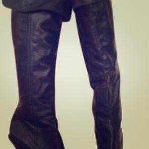 Bcbg black boots